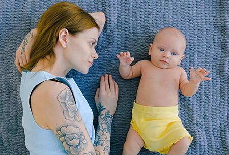Immagine donna con figlio